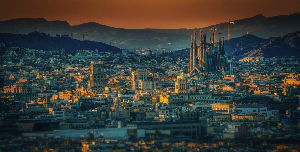 Debido a las restricciones impuestas en Barcelona y a las ciudades de alrededor, un nuevo confinamiento puede aparecer. En Star Holding lo queremos evitar, por eso queremos desinfectar tu hogar.