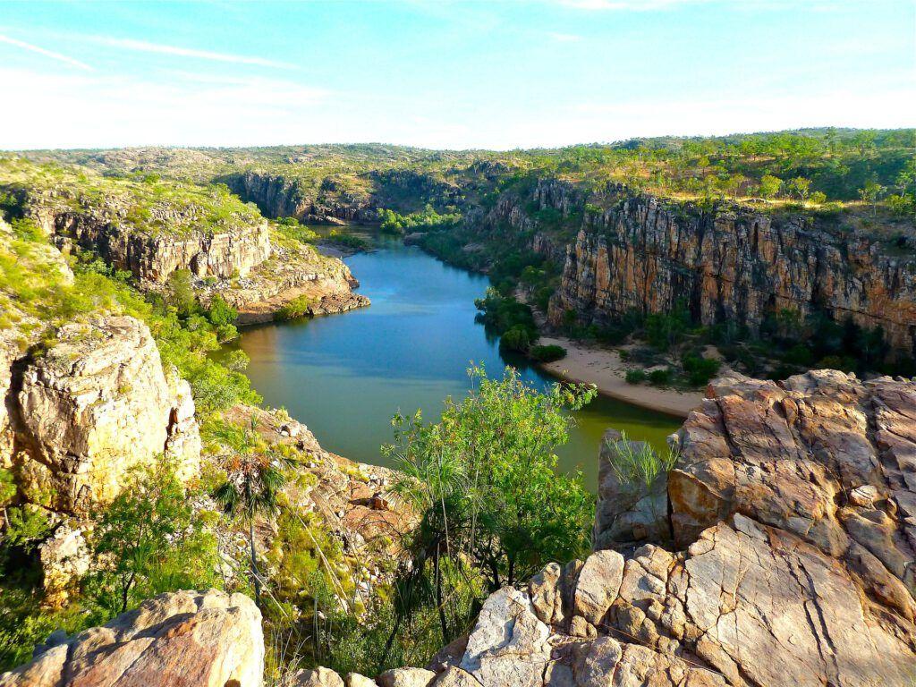 uno de los objetivos de la entrada de buenas prácticas con el agua es garantizar la supervivencia de paisajes con agua