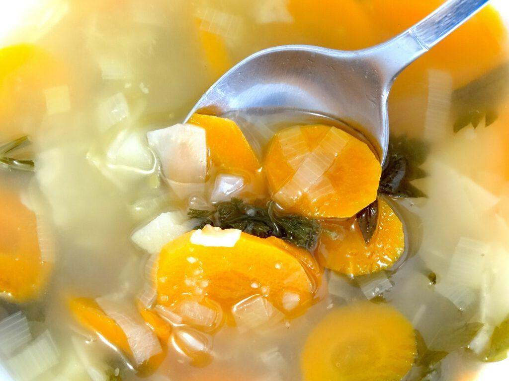 Preparar la sopa de navidad con agua osmotizada, todo un lujo que espera tu llamada